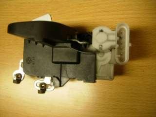 ALFA 147 DRIVER SIDE FRONT DOOR LOCK CATCH 02(20807T)