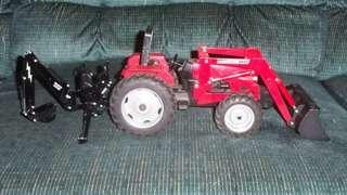 IH International Tractor Loader Backhoe 1/16 scale 2255 S90 4X4