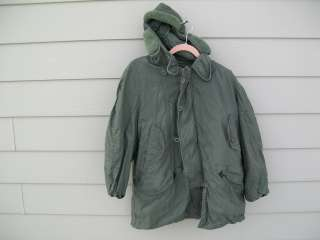 Parka, Extreme Cold Weather CWU 8/P Sz Medium (38 40) Vietnam 1974