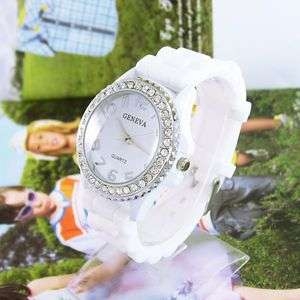 Silicone Rubber Belt Crystal Ladies Quartz Wrist Watch Popular M597W
