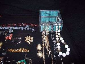 GOLD TONE MIXED JEWELRY,RING,EARRING,PINS, NECKEACES, BRACLETS,SCARF