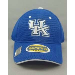 KENTUCKY WILDCATS OFFICIAL NCAA LOGO ONE FIT YOUTH