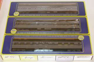 AHM/Rivarossi Union Pacific Heavyweight 9 Car Passenger Set 2 tone