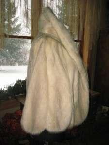 Medium   Plus Excellent Sapphire Grey Mink Fur Cape Wrap Shrug Coat