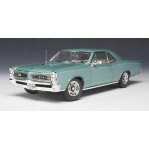 1/18 66 Pontiac GTO, Reef Turquoise Blue Toys & Games