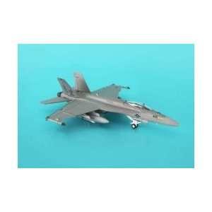 Hogan F/A 18E Usn VFA105 1200 Gunslingers LO VIS Toys