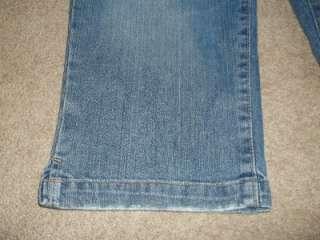 Womens Aeropostale Distressed Denim Jean Capris Shorts Pants Size 9