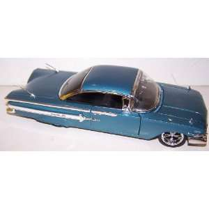 Jada Toys 1/24 Scale Dub City Diecast 1960 Chevy Impala in