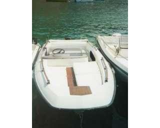 Barca in vetroresina MOLINARI con motore a Montecorice