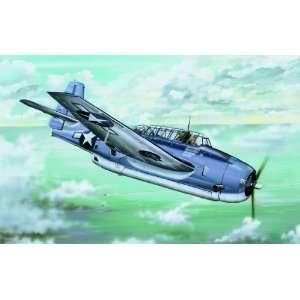Trumpeter 1/32 Grumman TBF1 Avenger Aircraft Kit Toys & Games
