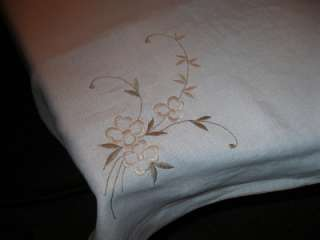 VINTAGE EMBROIDERED TABLE RUNNER TABLECLOTH & NAPKINS